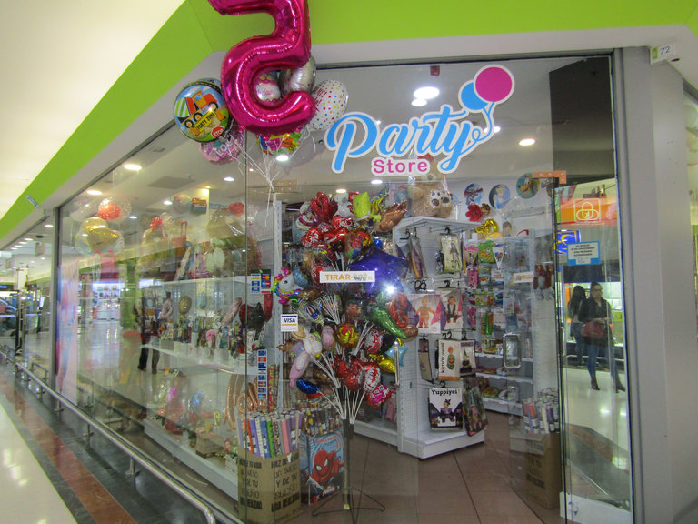 Party store frente